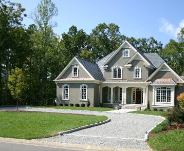 U-Shaped Driveway with Cobblestone Edge and Apron